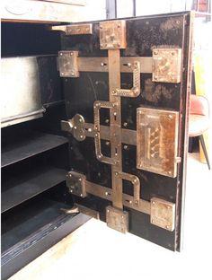Safe Door, Safe Vault, Vault Doors, Vaulting, Decoration, Wine Rack, Diy And Crafts, Fantasy, Architecture
