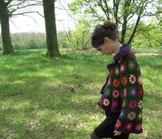Crochet granny jacket with how-to (in French)
