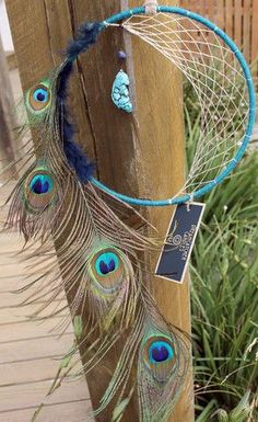 New Diy Dream Catcher Peacock Wind Chimes Ideas Dream Catcher Art, Dream Catcher Mobile, Dream Catcher Earrings, Feather Dream Catcher, Sun Catcher, Doily Dream Catchers, Moon Dreamcatcher, Dreamcatchers, Diy Dream Catcher Tutorial