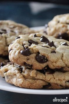 Best big, fat, chewy chocolate chip cookies ever! Thanks Amy 😘 Make bakery-style chocolate chip cookies with these tips. Cookie Desserts, Cookie Recipes, Best Chocolate Chip Cookie Recipe Allrecipes, Cookie Tips, Cookie Cakes, Cookie Dough Vegan, Make Chocolate Chip Cookies, Chocolate Chips, Chocolate Chocolate