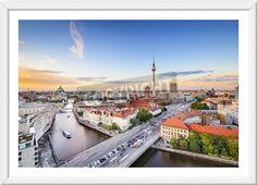 Schönes gerahmtes Wandbild der Berliner Skyline.