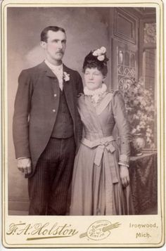 Unknown Couple, F.A. Holston – Photographer, Ironwood, MI  (look at the clothing)