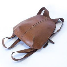 vintage leather backpack / 90s / camel // #bts Back to School #style #fashion