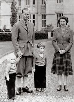 Princess Anne (far left ) prince Phillip ( left ) prince Charles ( in the middle ) and Queen Elizabeth II ( right ) in 1952 at Baltimore castle Prince Charles, Prince Philip Queen Elizabeth, Princess Elizabeth, Prince Andrew, Prinz Philip, Relationship Timeline, Young Prince, Herzog, Prince Of Wales