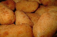 Kroket kentang (potato croquette)
