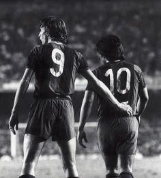 FOTO | Johann Cruyff, Hugo Sotil. El 9 y el 10 de aquel gran Barcelona