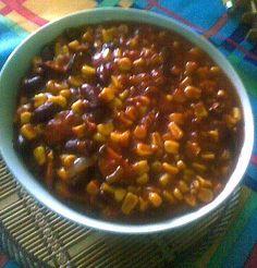 Do rozpáleného oleje na pánev jsem dal nadrobno pokrájenou cibuli (jednu… Quinoa, Beans, Vegetables, Cooking, Health, Chili Con Carne, Bulgur, Kitchen, Health Care
