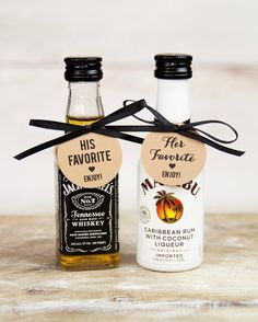 Wedding Gifts For Guests 11 DIY Wedding Favor Cocktail Kits Wedding Souvenirs For Guests, Creative Wedding Favors, Inexpensive Wedding Favors, Beach Wedding Favors, Alcohol Wedding Favors, Wedding Tips, Country Wedding Favors, Wedding Bottles, Wedding Guest Gifts
