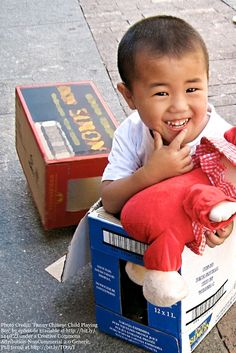 What's the most fun way your kids have played with cardboard? Here are 12 awesome ways to create and play with cardboard. Keen to try some of these with our cardboard boxes.