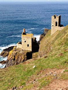 Botallack Crowns Engine Houses near Pendeen, Cornwall: Former tin mines ✫ღ⊰n West Cornwall, Devon And Cornwall, Cornwall England, Things To Do In Cornwall, St Just, South West Coast Path, Kingdom Of Great Britain, Rock Pools, Poldark
