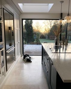 Cold and crisp this morning - My favourite type of winter morning! ❄️✨ Cold and crisp this morning - My favourite type of winter morning! Kitchen Island Decor, Home Decor Kitchen, Kitchen Living, Home Kitchens, Kitchen Ideas, Modern Kitchen Interiors, Kitchen Modern, Open Plan Kitchen, Küchen Design
