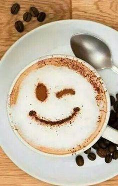 Latte art yin yang