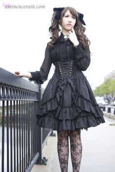 Elegant Gothic Lolita (style created by the japanese brand moi-meme moitié) Lolita Goth, Gothic Lolita Fashion, Lolita Style, Steampunk Fashion, Unique Fashion, Fashion Design, Kinds Of Clothes, Japanese Street Fashion, Kawaii