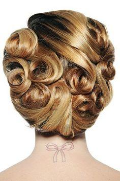 Vintage style updo for medium length hair #bride #wedding