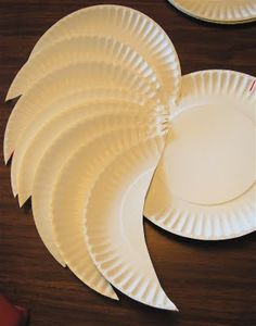 paper plate ange wings!!!  I wonder if i could make one of these that would look good on the wall?? hmmm