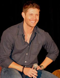 You take my breath away <3 #DallasCon14 #Jensen