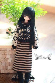 Girlish Azone doll outfits ------Stripes dress set by DollyGirlish on Etsy https://www.etsy.com/listing/182509165/girlish-azone-doll-outfits-stripes-dress