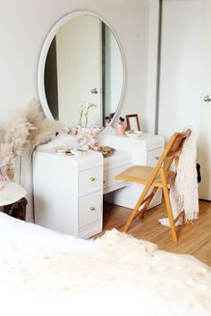 Home Decor Living Room A Parisian-Themed Bedroom With the Coolest DIY Floor Idea.Home Decor Living Room A Parisian-Themed Bedroom With the Coolest DIY Floor Idea Bedroom Themes, Bedroom Decor, Bedroom Mirrors, Bedroom Ideas, Bedroom With Vanity, Lego Bedroom, Comfy Bedroom, Wood Bedroom, Bedroom Bed