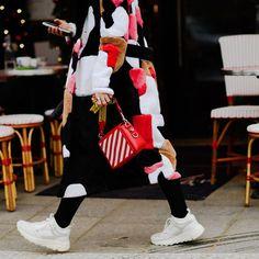 "3,575 Likes, 8 Comments - Style Sight WorldWide (@stylesightworldwide) on Instagram: ""#pariscoutureweek @parisfashionweek    @nyavgjoe @harpersbazaarus #streetstyle #streetfashion…"""