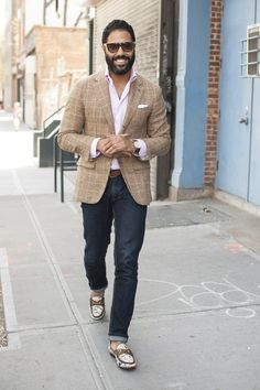 Wool/Linen glen plaid blazer by ANGEL, retro Gucci loafers. Fashion Bubbles, Mens Fashion Blog, Men's Fashion, Blazers, Gucci Loafers, Smart Casual Outfit, Tailored Suits, Sharp Dressed Man, Mens Clothing Styles