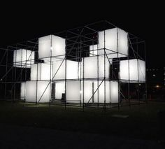 Polycarbonate Architecture 211
