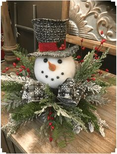 Christmas Wreaths To Make, Diy Christmas Ornaments, Christmas Projects, Simple Christmas, Beautiful Christmas, Vintage Christmas, Rustic Christmas, Christmas Ideas, Christmas Design