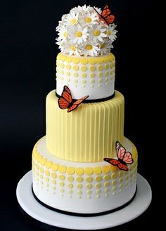 Pretty cake #yellow #butterflies