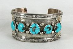 Authentic Vintage Native American Navajo Sterling Silver Turquoise bracelet