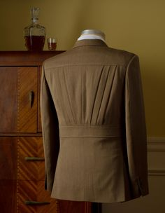 Oliver-The Calloway Deco Pleat Jacket - again the specific details... I think if I can find something sutble to create a distinction with out seperating.