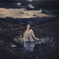 Amazing Conceptual Photography Examples by Brooke Shaden | Design Inspiration. Free Resources & Tutorials