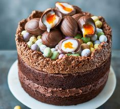 Bake a showstopping cake for Easter. This one is so easy and the kids can decorate it by filling the pretzel nest with their favourite chocolate eggs baking Easter nest cake Food Cakes, Cupcake Cakes, Sweets Cake, 13 Desserts, Dessert Recipes, Easter Desserts, Easter Cake Flavors, Mini Eggs Cake Recipes, Easter Lunch Recipes