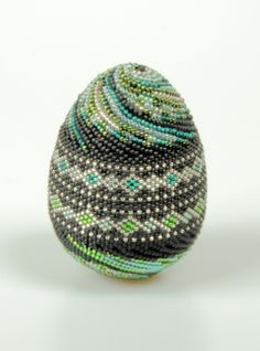 Peyote Stitch | Peyote Stitch Black & Green Egg - Warrior Mouse