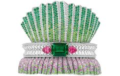 Enter the magical world of Dior Haute Joaillerie fine jewelry! Discover the jewelry collections of the House of Dior, creations that blend the perfection of precious metal with lavish stones. Bracelet Dior, Dior Jewelry, Jewellery, Purple Sapphire, Bling, Best Diamond, Diamond Bracelets, Emerald Bracelet, Bangles