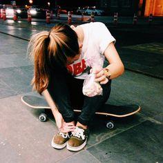 Na hora de descansar o Skate vira cadeira!
