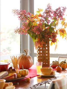 Decorating for fall is easy and fun!  With some simple changes to our living spaces, we can usher in the autumn season and prepare for the gathering of family and friends. This post gives you twelve easy ways to decorate now for the fall season!