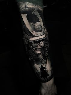 Japanese Tattoos For Men, Japanese Tattoo Art, Japanese Sleeve Tattoos, Full Sleeve Tattoos, Left Arm Tattoos, Cool Forearm Tattoos, Arm Tattoos For Guys, Ronin Samurai, Samurai Art