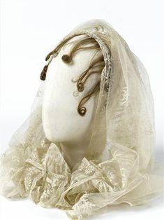 veil of Empress Josephine, First Empire Chateau De Malmaison, La Malmaison, Empress Josephine, Napoleon Josephine, Jane Austen, Vintage Outfits, Vintage Fashion, 1800s Fashion, Tulle