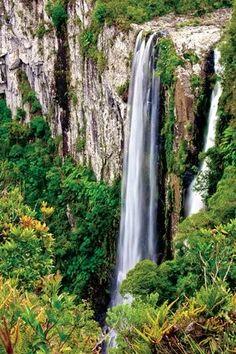Cachoeiras nos cânions são atração em Morro Grande (Foto: Felipe Aguiar/Santur) Santa Catarina Brazil.