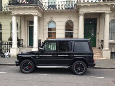 Our customer in London is now a satisfied owner of a never out of style Mercedes-Benz G Wagon. After driving Porsche and Aston Martin he decided to buy a vehicle that holds his value better and does not blink to much. He appreciated very much our help in getting his used cars sold successful and fast.  #ovicars #mercedesbenz #gwagon