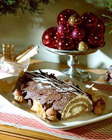 "See the ""Walnut Orange Buche de Noel"" in our Heavenly Holiday Desserts gallery Martha Stewart, Noel Christmas, Christmas Baking, Christmas Recipes, Irish Christmas, Christmas Sweets, Christmas Goodies, Yule Log, Chocolate Bark"