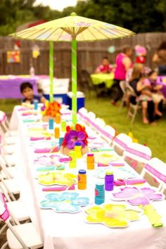 What a fantastic way to decorate the kids' table at your Moana birthday party. See more party ideas and share yours at CatchMyParty.com