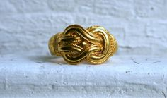 Heavy Vintage 14K Yellow Gold Knot Ring. by GoldAdore on Etsy