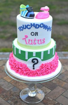 Touchdowns or Tutus Gender Reveal Cake what an wonderful Idea for any Baby Shower Party Gender Party, Baby Gender Reveal Party, Chocolates, Gender Reveal Box, Gender Reveal Football, Gender Reveal Cakes, Baby Reveal Ideas, Baby Reveal Cakes, Baby Shower Invitaciones
