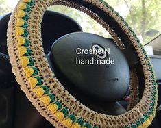 Crochet Car, Crochet Gifts, Crochet Ideas, Car Steering Wheel Cover, Yellow Car, Macrame Plant Hangers, Car Stuff, Car Accessories, Gifts For Women