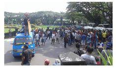 Supir Angkot Demo Gojek Supaya Ditutup