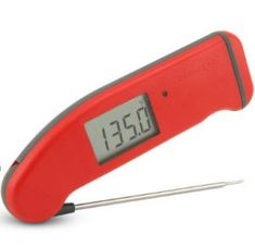 Learn how to read and use an Internal Meat and Cooking Thermometer. Cooking thermometers take the guesswork out of cooking, as they measure the internal temperatures of your cooked Cooking Temp For Beef, Pork Cooking Temperature, New Cooking, Cooking Tips, Cooking Stove, Cooking Turkey, Cooking School, Cooking Recipes, Cooking With Toddlers