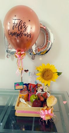 Themed Gift Baskets, Birthday Gift Baskets, 21st Birthday Gifts, Diy Birthday, Happy Birthday, Crafts To Sell, Diy And Crafts, Birthday Breakfast, Ideas Para Fiestas