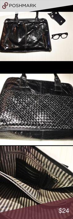 Black leather bag. Beautifully designed Black leather bag. Beautifully designed Bags Totes