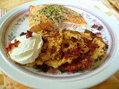 SPLENDID LOW-CARBING BY JENNIFER ELOFF: CAULIFLOWER, CHEDDAR 'N BACON CAKES