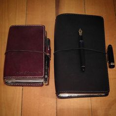 """#writerslifeigjune 13: Writing on the go! Depending on how much room i have in my bag, it's either my pocket notebook or my """"regular midori"""" or """"narrow"""" size. Pocket is not easy to write in, but i always have it with me, so there are quite a few scribblings, notes and poem drafts in there. My regular has my writing workbook, writer's journal and what i think of as my """"writing commonplace book"""" with all my useful lists, quotes and so on.  Pocket is a @thechicsparrow Mr Darcy in Burgundy…"""